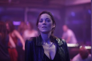 Why the hell is Marion Cotillard in a club and no guy is at least TRYING to dance with her?!?!?