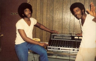 The old school, 70's 'fro. Those were the days.