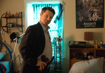 Oh no, Shea Whigham! Leave while you still can.