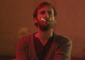 E-cigs aren't cool, but Josh Lucas finds a way to make it so.